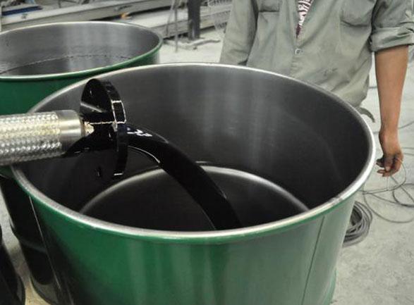高性能沥青快速修复液