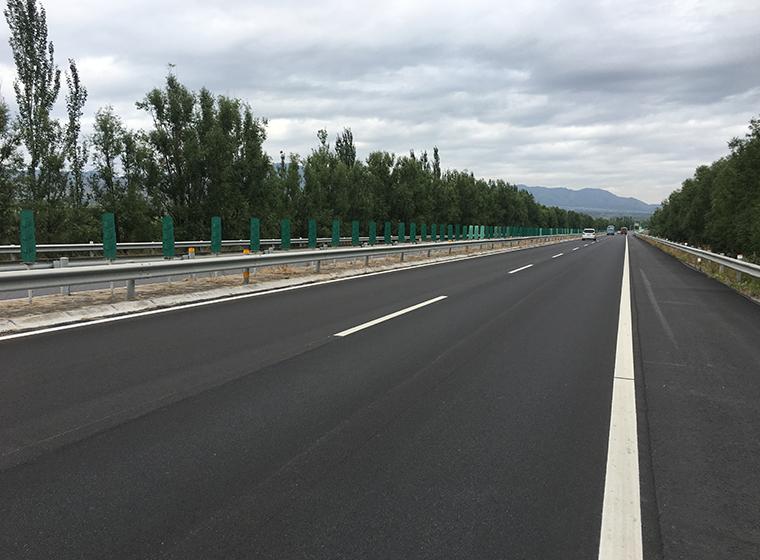 微罩面技术在城市道路养护中的应用